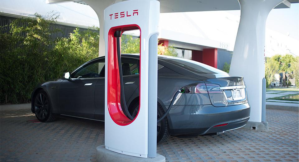 Tesla Model S at Supercharger Photo courtesy of Tesla
