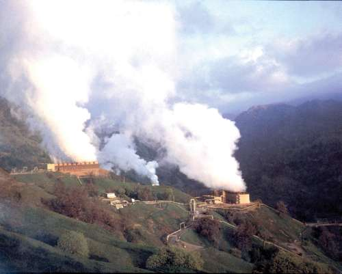 A geothermal power plant at The Geysers near Santa Rosa, California. The USGS researches and assesses geothermal resources. Photographer: Julie Donnelly-Nolan , U.S. Geological Survey  Courtesy of USGS