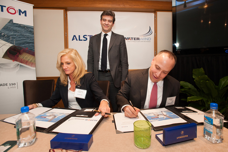 Washington signing ceremony on February 10th 2014, with Amy Ericson, Alstom USA Country President and Jeffrey Grybowski, Deepwater CEO, in the presence of Arnaud Montebourg, French minister of economic recovery. Photo courtesy of Alstom